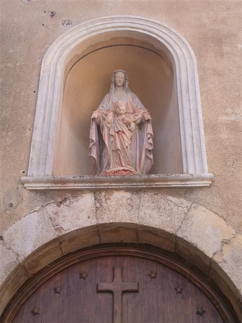 Vierge à l'enfant, Portail église Cascastel