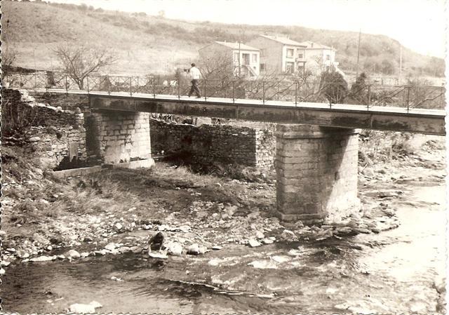 Pont et Fontaine vers 1960