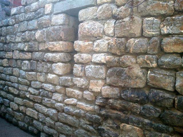 Mur restauré Février-Mars 2014