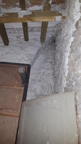 Arcature témoin, sous le clocher