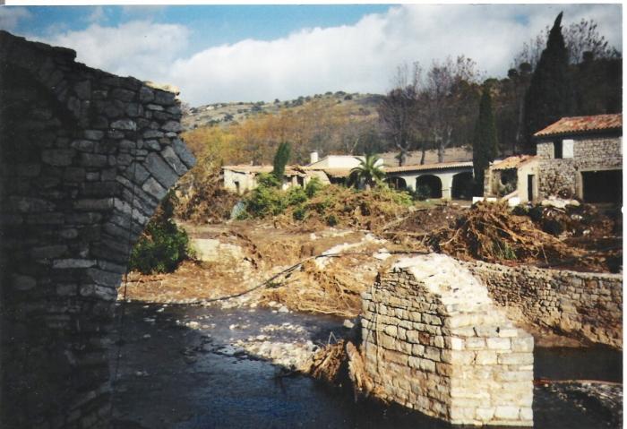 Pont de Pierre, Novembre 1999