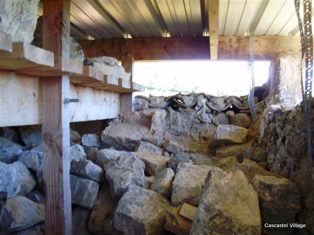 Tour Cascastel, Toiture provisoire