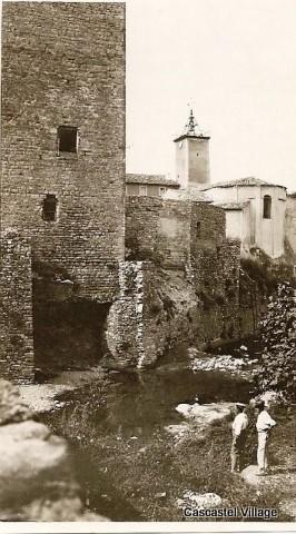 tour cascastel-1950_jpg